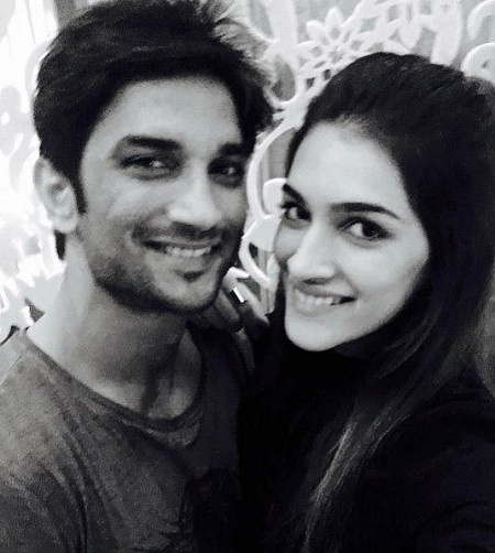 Pic 3: Sushant Singh Rajput And Kriti Sanon's Growing Friendship
