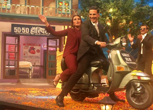 Akshay and Huma at TKSS 6