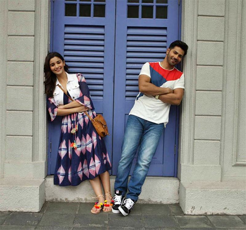 10 Pics of Varun Dhawan and Alia Bhatt which prove they make the cutest B-Town couple!- Alia-Varun 10
