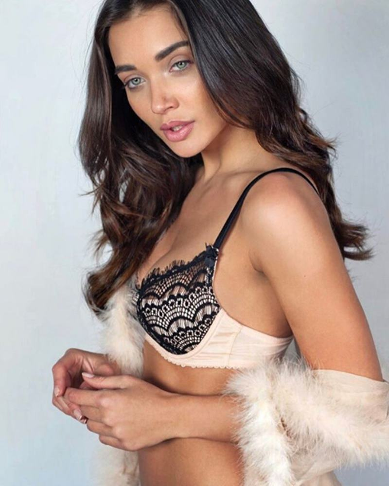 10 Hot Pics of Amy Jackson that prove she is a total bombshell!- Amy 1