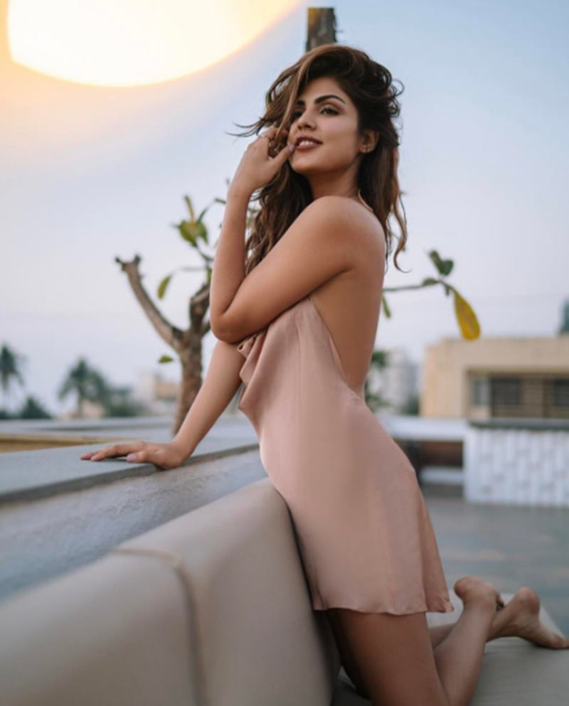 Rhea Chakraborty is ruling Instagram like a queen and we cannot stop staring!- Rhea 3
