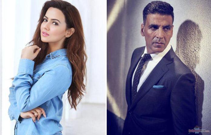 Sana Khan Will Play Akshay Kumar's Girlfriend In TEPK