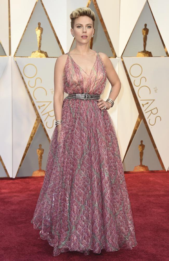 Celebrities Style Files Oscars 2017 - Scarlett Johansson