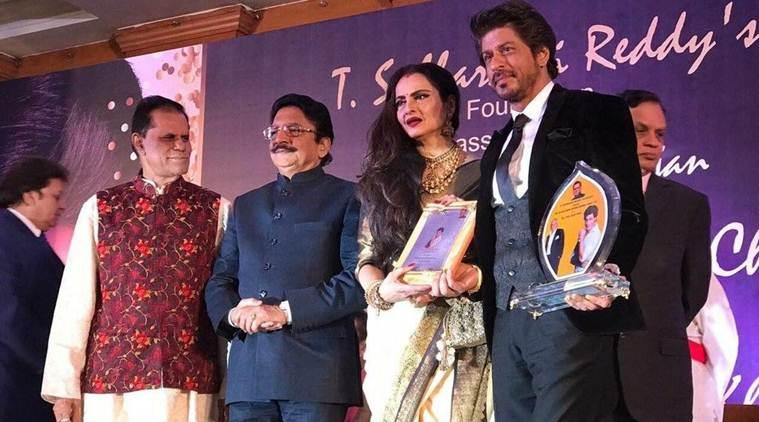 Pics & Details: Shahrukh Khan Receives Yash Chopra Award