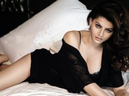 15 Hot Pictures of Urvashi Rautela which prove she will be going places!