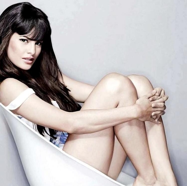 Jacqueline Fernandez hot pics - photoshoot