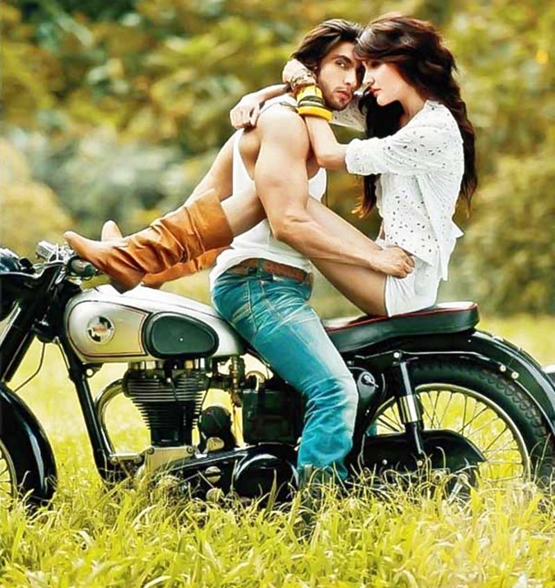 Top 10 Hottest On-Screen Couples in Bollywood- Ranveer-Anushka