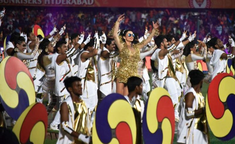 Beautiful Pics of Poonam Kaur, the mystery girl from IPL 2017 opening ceremony!- Amy