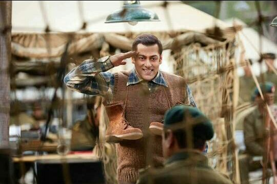 First Review Of Salman Khan's Tubelight