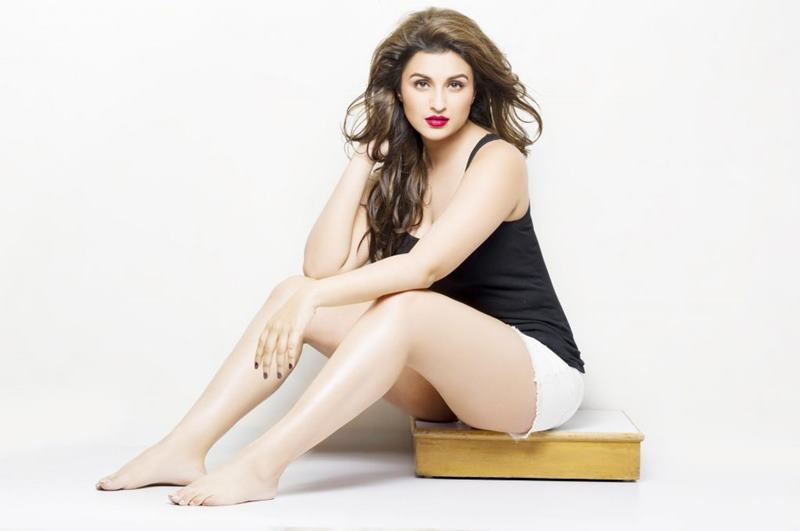 Check out these Parineeti Chopra Hot Pics that will restore your faith in natural beauty!4