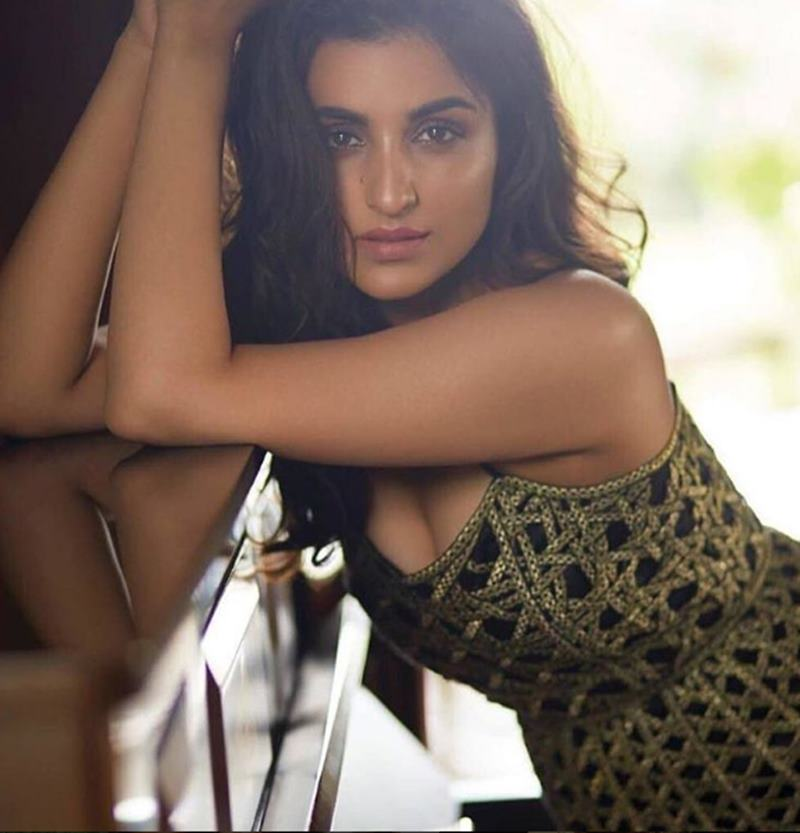 Check out these Parineeti Chopra Hot Pics that will restore your faith in natural beauty!9