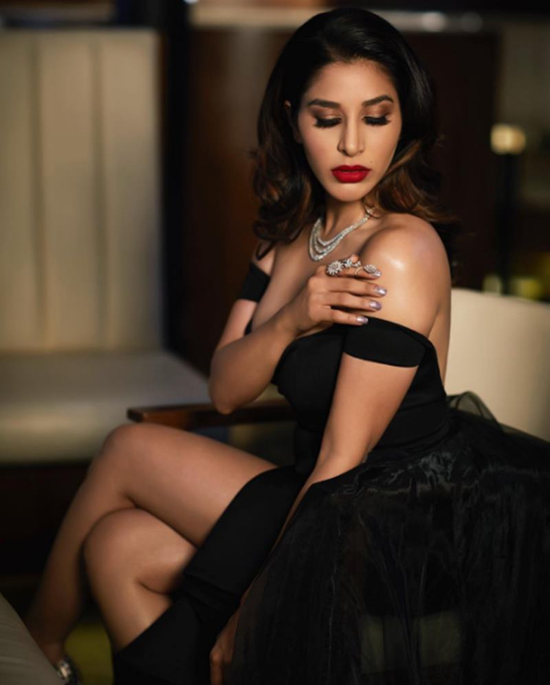 Here are some super hot pics of Sophie Choudry, the multi-talented lady of Bollywood!2