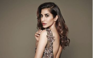 Here are some super hot pics of Sophie Choudry, the multi-talented lady of Bollywood!