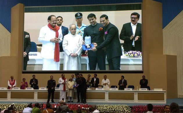 Akshay Kumar receives first National Award for Rustom