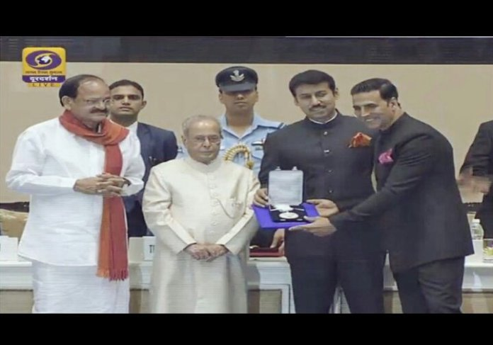 Akshay Kumar receiving National Award for Rustom