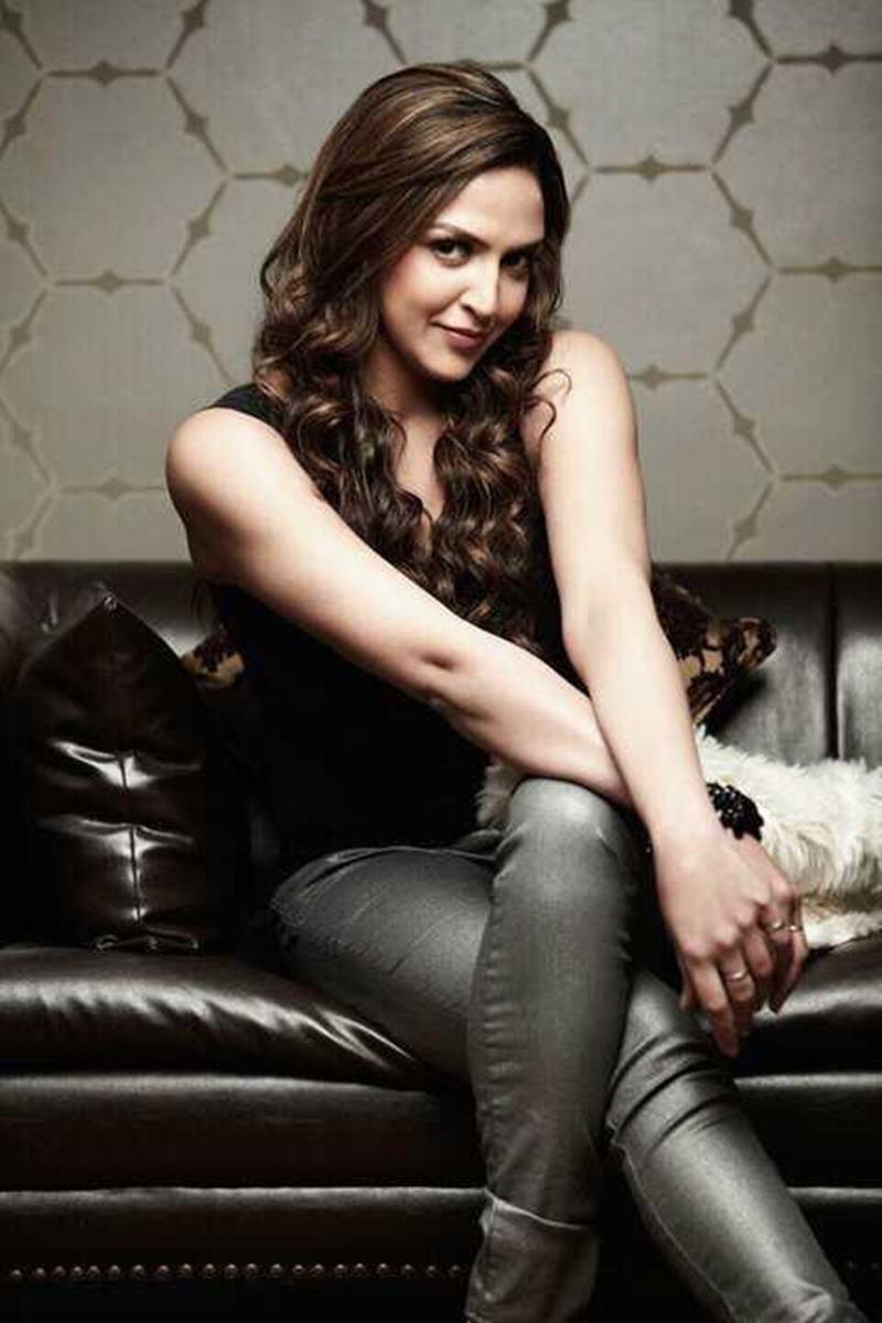 Star Siblings who failed to make it big in Bollywood-Esha