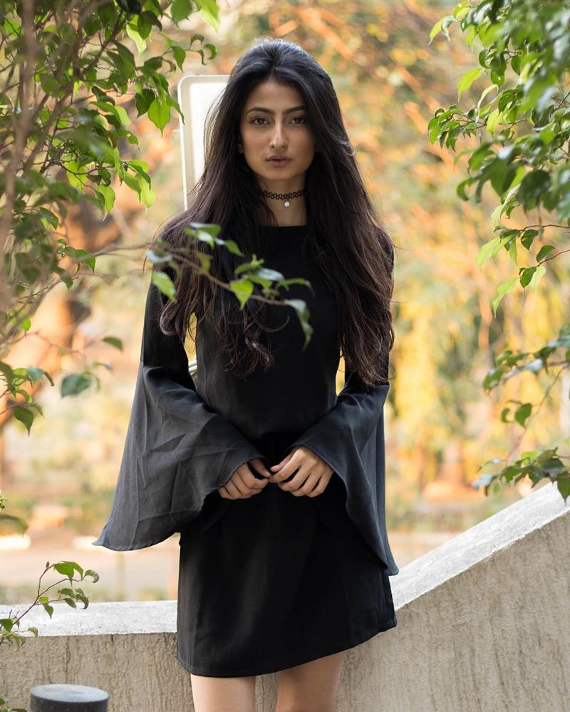 Pics of Palak Tiwari, Shweta Tiwari's daughter who will be making her debut very soon! 4
