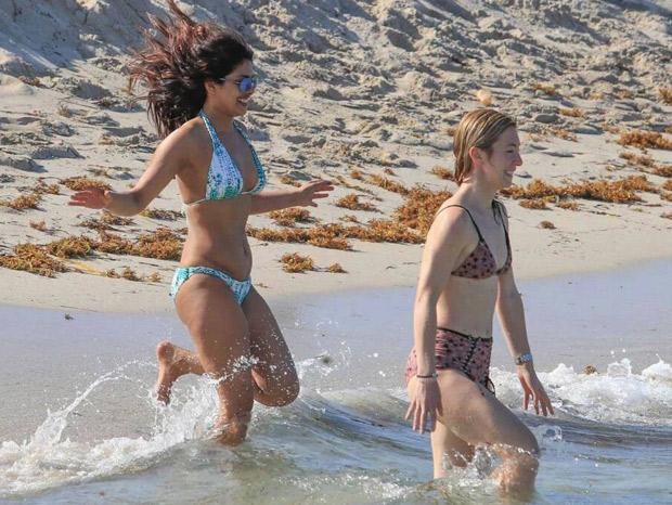 Priyanka Chopra bikini Baywatch 3