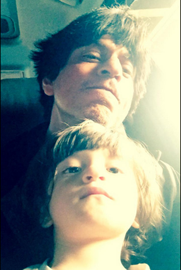 Selfie time for SRK and Abram