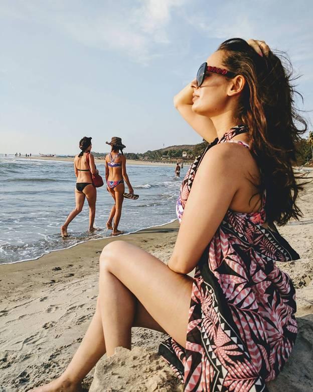 bikini pics of Evelyn Sharma 1