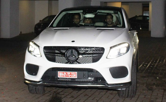Salman Khan was spotted with Sonakshi and lulia
