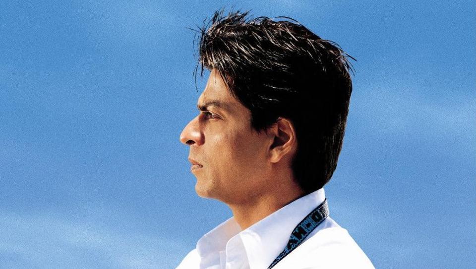 अब वक़्त आ गया है कि शाहरुख़ खान प्यार, मोहब्बत से आगे बढ़कर स्वदेस, चक दे इंडिया जैसी देसी फिल्में करें