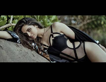 Deepika padukone hot filmfare 1
