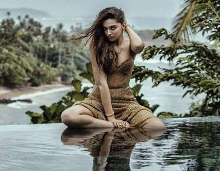 Deepika padukone hot filmfare 2