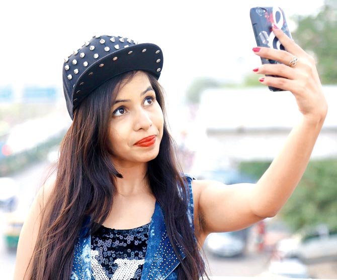 Dhinchak Pooja - Indian girls who went viral on social media